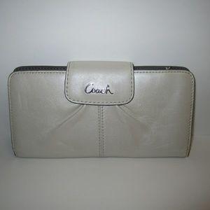 Coach Cream Leather Wallet READ DESCRIPTION